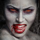 miniature Transformer un visage en vampire